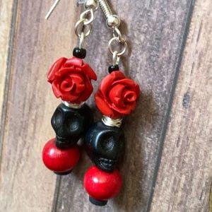 Red Rose 🌹 skull Howlite delicate earrings